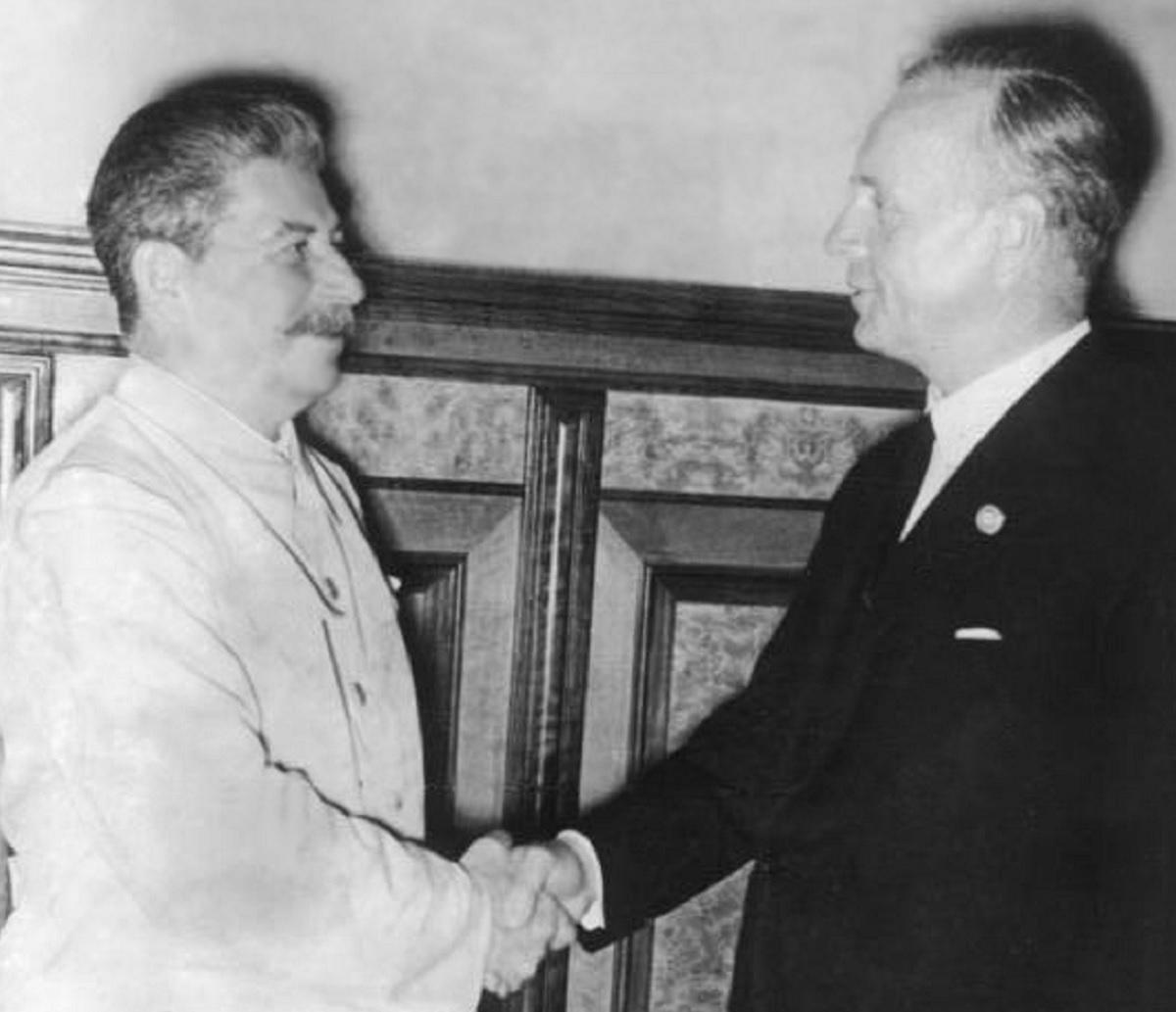 Stalin and Ribbentrop